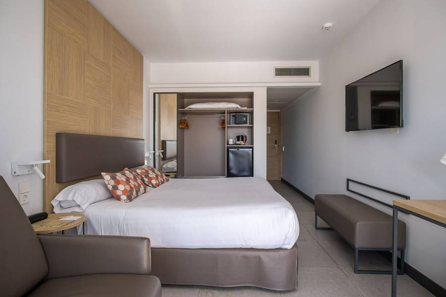 Double comfort room cap negret hotel altea, alicante